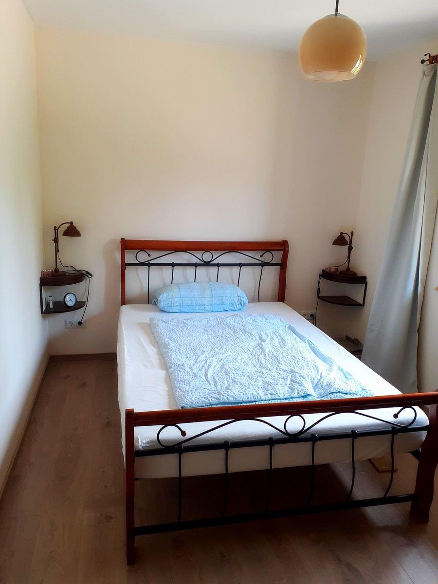 1_Grosses-Schlafzimmer